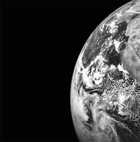 Sao Hỏa xuất hiện trong ảnh chụp Trái Đất ở khoảng cách xa