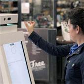 Người máy bán hàng điện máy