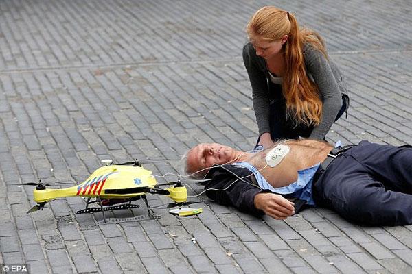 Máy bay cứu thương không người lái