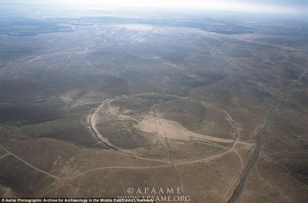 Những vòng tròn đá cổ đại bí ẩn ở Trung Đông