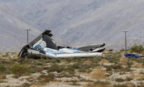 Điều tra phi thuyền vỡ nát trên sa mạc