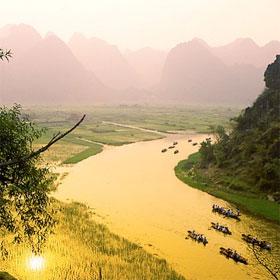 """Những hang động """"made in Vietnam"""" đẹp không kém hang Sơn Đoòng"""
