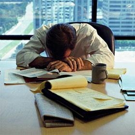 Làm việc ngoài giờ dễ bị giảm trí nhớ