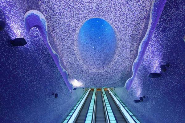 Những ga tàu điện ngầm long lanh nhất thế giới