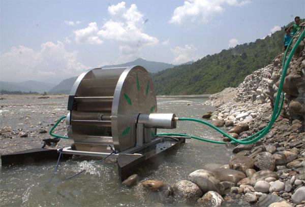 Máy bơm nước không cần nhiên liệu