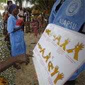 Sản phụ bị bỏ mặc ở tâm dịch Ebola