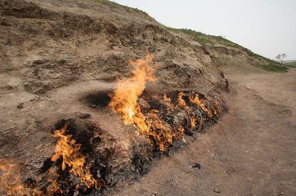 Những ngọn lửa vĩnh cửu trên thế giới
