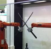 Video: ABB Robotics trình diễn 2 robot chơi kiếm Katana
