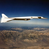 Cận cảnh máy bay ném bom nguyên tử khủng nhất của quân đội Mỹ