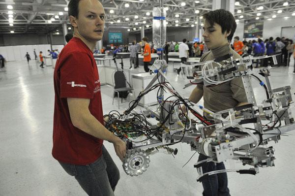 Tài năng trẻ và những con robot