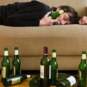 """Nguyên nhân hiện tượng """"mất trí nhớ"""" khi say rượu"""