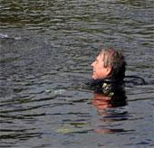 Kỷ lục ở dưới nước trong 73 ngày