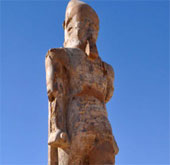 Khôi phục tượng pharaoh sau 3.200 năm