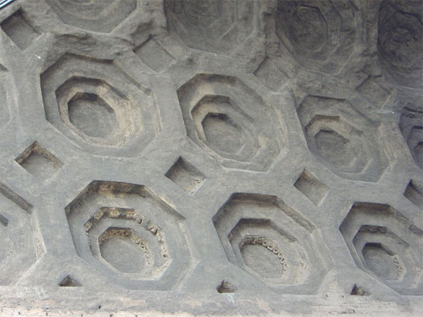 Bê tông gần 2.000 năm tuổi tại Rome