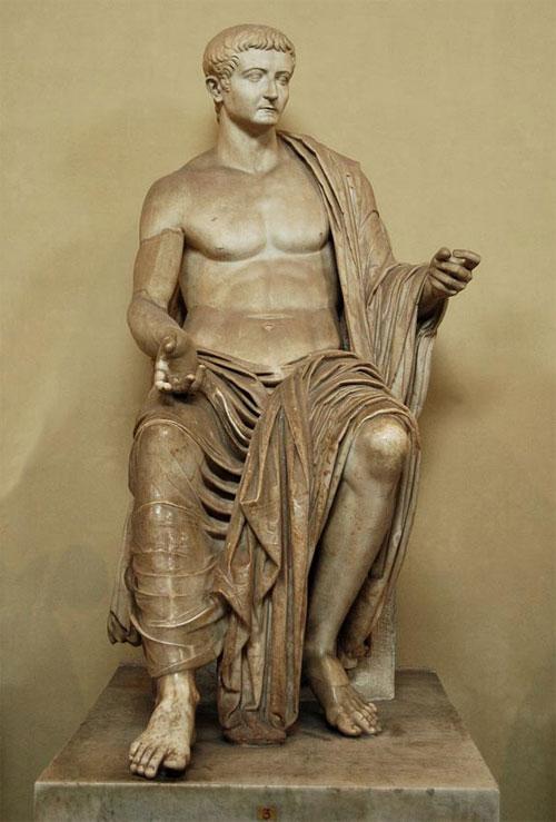 Một bức tượng Hoàng đế Tiberius Marble, năm 37 SCN bằng đá cẩm thạch
