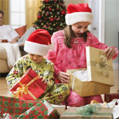 Vì sao không nên mua quá nhiều quà cho trẻ nhỏ?