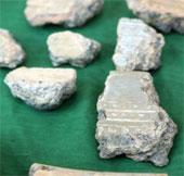 Phát hiện mảnh khuôn đúc trống đồng ở Luy Lâu