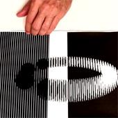 Video: Ảo giác chuyển động đánh lừa bạn chỉ với một tờ giấy