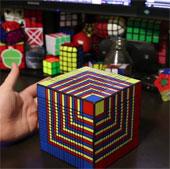 Video: Chinh phục khối Rubik khó nhất thế giới