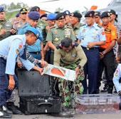 Vì sao hộp đen máy bay AirAsia được ngâm trong nước ngọt sau khi vớt?