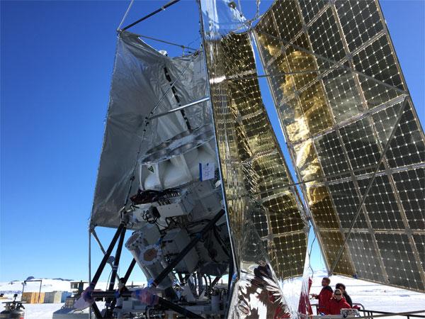 ùng khí cầu đưa kính thiên văn lên cao quan sát dấu vết Big Bang
