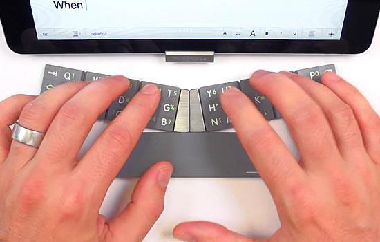 """Bàn phím độc đáo """"biến hình"""" cho iPhone"""