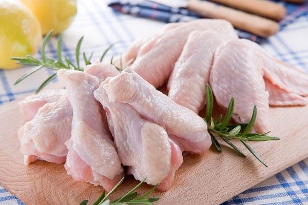 Súp gà giúp giảm ngạt mũi và sinh chất nhầy.