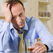 Làm việc càng nhiều, rượu bia càng lắm