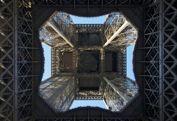 Ngày 28/1: Tháp Eiffel khởi công nhưng người Pháp phản đối
