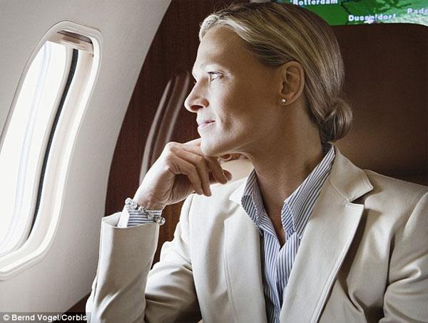 Mẹo khắc phục các vấn đề sức khỏe khi đi máy bay