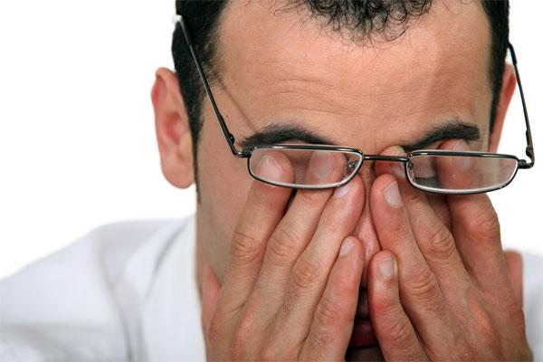 Cách chăm sóc mắt trong mùa đông cho dân văn phòng