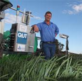 Một nông dân Australia chế tạo thành công robot nhổ cỏ