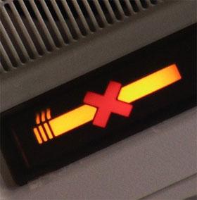 Vì sao có quy định không được hút thuốc ở trên máy bay?