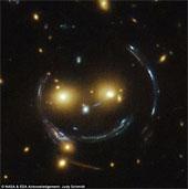 Chụp được ảnh khuôn mặt cười trong vũ trụ