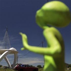 Người ngoài hành tinh có thể gieo mầm sự sống trên Trái Đất