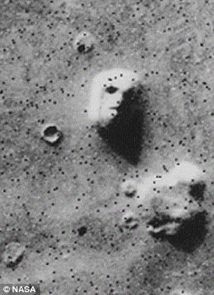 Sao Hỏa có thể đã từng có sự sống, nhưng chiến tranh hạt nhân đã biến nó thành hành tinh chết?