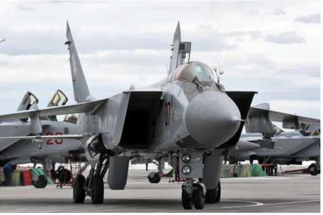 Sức mạnh tuyệt đối của máy bay đánh chặn nhanh nhất thế giới MiG-31