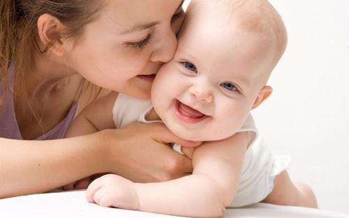 Những khác biệt giữa trẻ sinh mổ và sinh thường