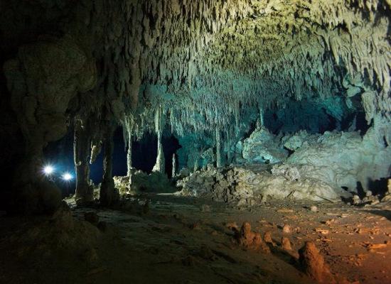 Những hang động ẩn chứa dấu vết cổ đại trên thế giới