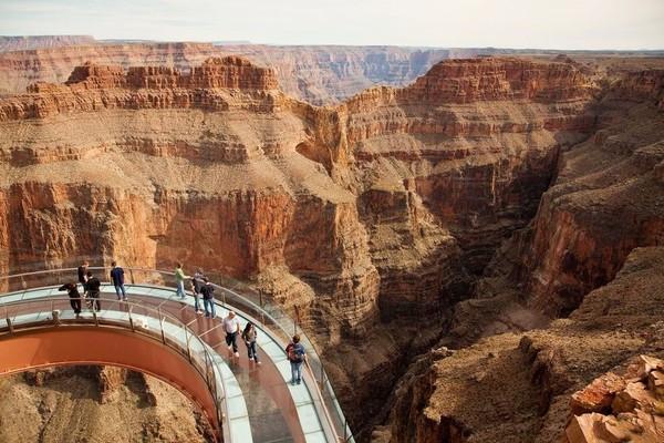 19 địa điểm du lịch không dành cho người yếu tim