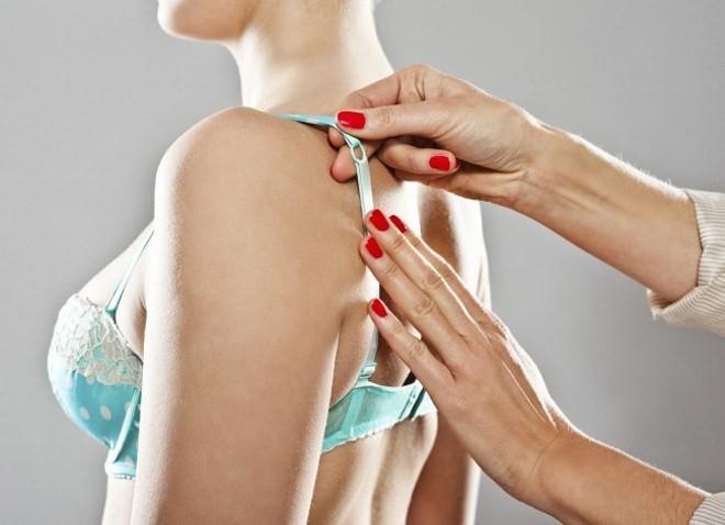 Chọn lầm cỡ áo ngực có thể dẫn đến ung thư vú