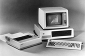 Chặng đường biến đổi từ khổng lồ đến nhỏ gọn của máy tính