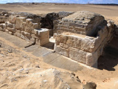 2 lăng mộ cổ 4.200 năm thờ thầy tế tại Ai Cập