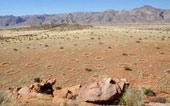 Vòng tròn bí ẩn giữa sa mạc giống tế bào da người?