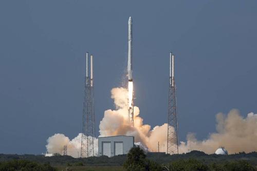 Mỹ dự định dùng trực thăng để 'tóm' tên lửa vũ trụ