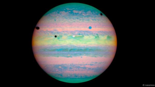 Chiêm ngưỡng chùm ảnh thiên văn tuyệt đẹp mừng kính Hubble 25 tuổi