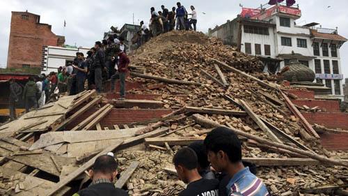 Cường độ động đất ở Nepal tương đương 20 quả bom nguyên tử