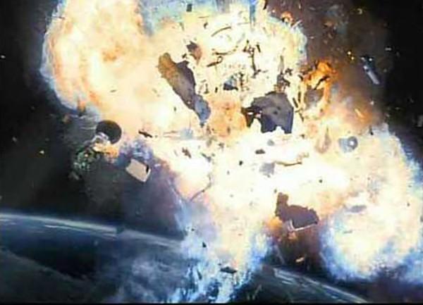 """7 loại máy móc rơi từ trên trời """"đe dọa"""" Trái đất"""