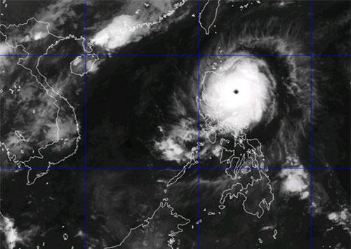 Giông lốc đánh chìm nhiều thuyền, bão Noul mạnh lên cấp 16