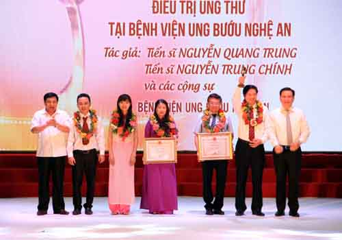 Ghép tế bào gốc trị ung thư vú nhận giải sáng tạo Việt Nam